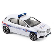 voiture de police blanche