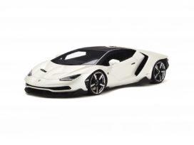 voiture de sport blanche
