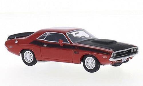 vieille voiture americaine noire et rouge