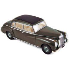 vieille voiture de luxe grise