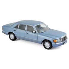 vieille limousine bleu