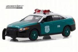 voiture de police verte et blanche