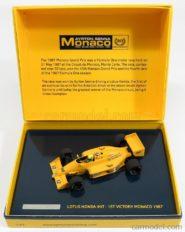 vieille voiture de course formule 1 jaune