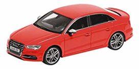 voiture de sport 5 portes rouge