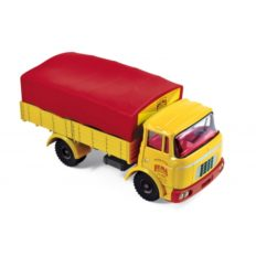 camion bache jaune et rouge