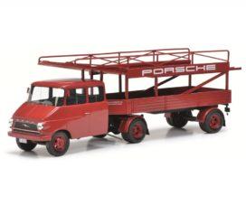 camion transporteur de voiture rouge