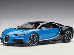 voiture de sport de luxe bleu et noir