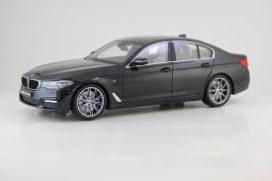 voiture de luxe noire
