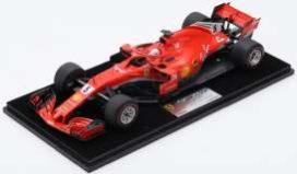 voiture de course formule 1 rouge