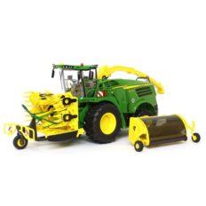 grosse machine agricole verte