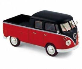 vieux minibus rouge et noir