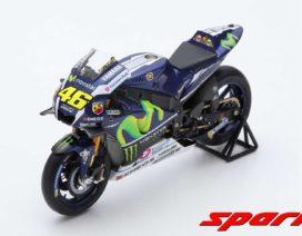 moto de curse bleu