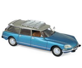 vieille voiture break bleu