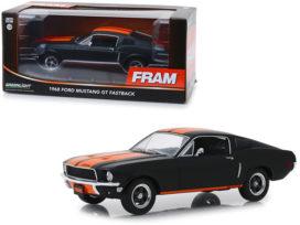 vieille voiture de sport noir et orange