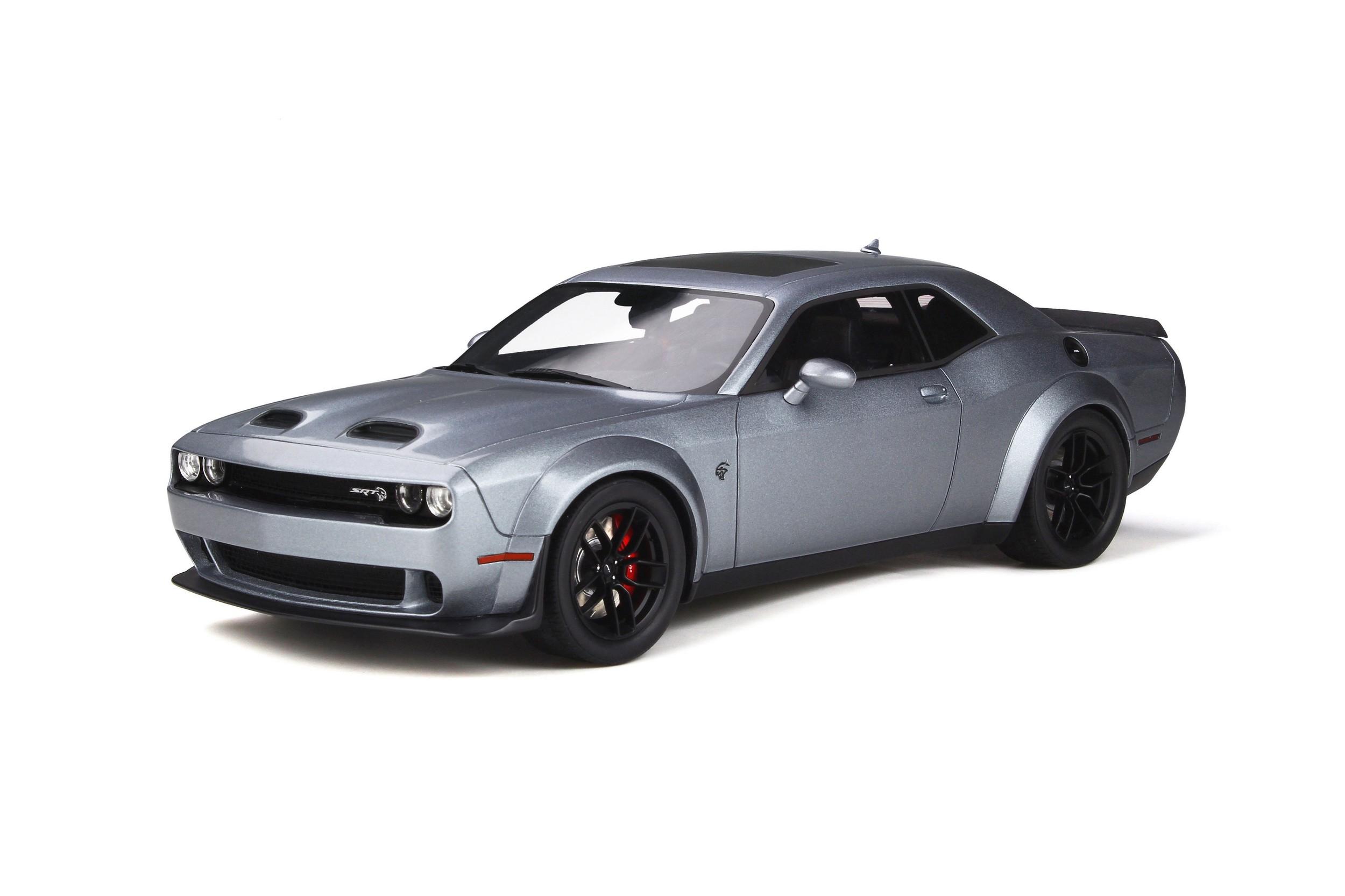 voiture de sport grise