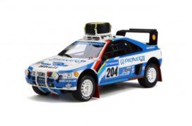 vieille voiture de rallye bleu et blanc