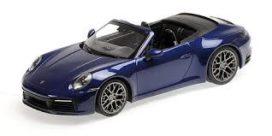 voiture de sport cabriolet bleu