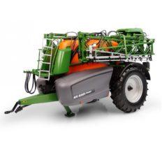 gros pulverisateur agricole vert et orange