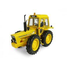 vieux tracteur agricole jaune
