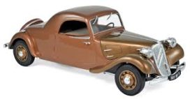 vieille voiture coupe brune