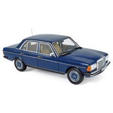 vieille voiture berline bleu
