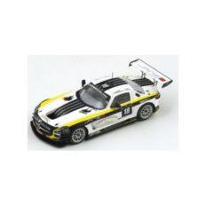 voiture de course blanche et jaune
