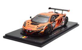 voiture de course orange