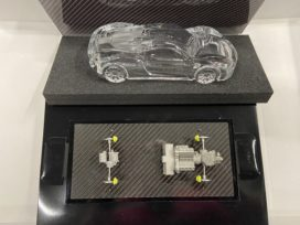 voiture miniature en verre