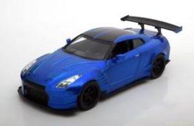 voiture de sport bleu avec gros aileron