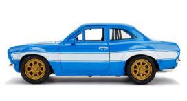 vieille voiture de sport bleu et blanche