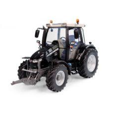 gros tracteur agricole noire