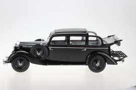 vieille voiture limousine noire cabriolet