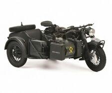 vieille moto noire avec side car