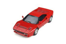 vieille voiture de sport rouge