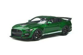 voiture de sport verte