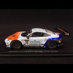 voiture de course bleu et orange