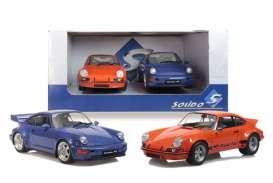 pack de deux vieille voitures de sport orange et bleu