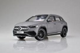 grosse voiture gris mat