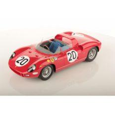 vieille voiture de course decapotable rouge
