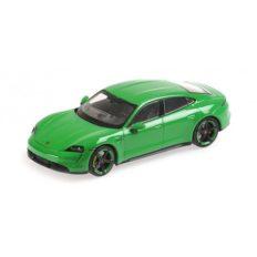 voiture electrique verte