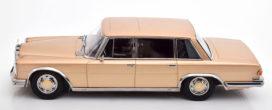vieille voiture limousine or