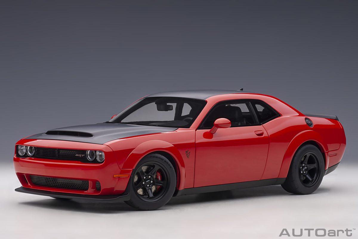 voiture muscle car rouge et noire