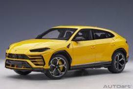 voiture suv sportive jaune