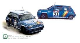 vieille voiture de rallye bleue