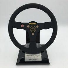 volant de vieille voiture de course