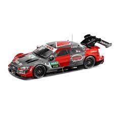 voiture de course rouge et gris