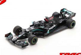 voiture de course formule 1 noire
