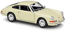 vieille voiture de sport coupe beige