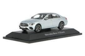 petite voiture limousine grise