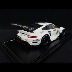 voiture de course blanche